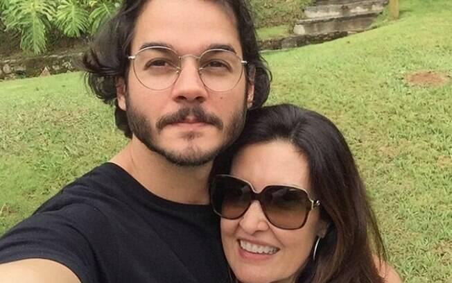 Fátima Bernardes e Túlio Gadelha curtem momento juntos