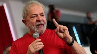 Lula diz que FHC e Temer não são mais democratas