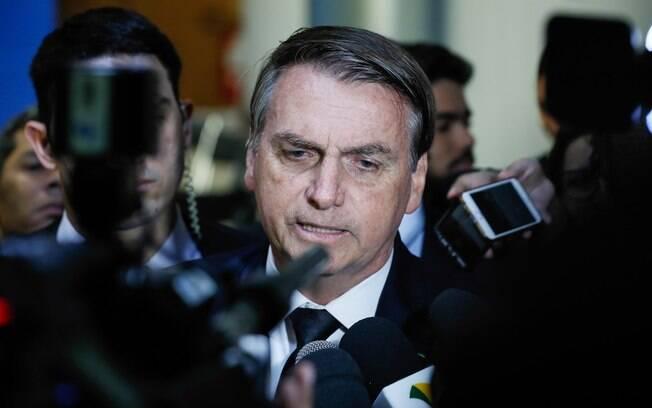 Bolsonaro edita 7º decreto sobre armas e mantém brecha para compra de fuzil