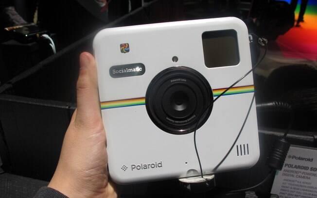 Polaroid Socialmatic é uma câmera que além de imprimir as fotos, compartilha as imagens nas redes sociais. Foto: Emily Canto Nunes/iG