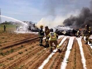 Imagem divulgada no perfil do corpo de bombeiros da Espanha mostra o acidente
