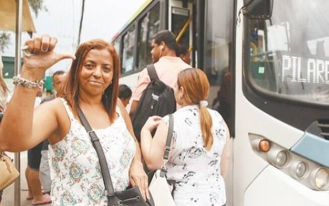 Maria Aparecida Martins reclama que 'parece uma compensação para o aumento do salário mínimo'