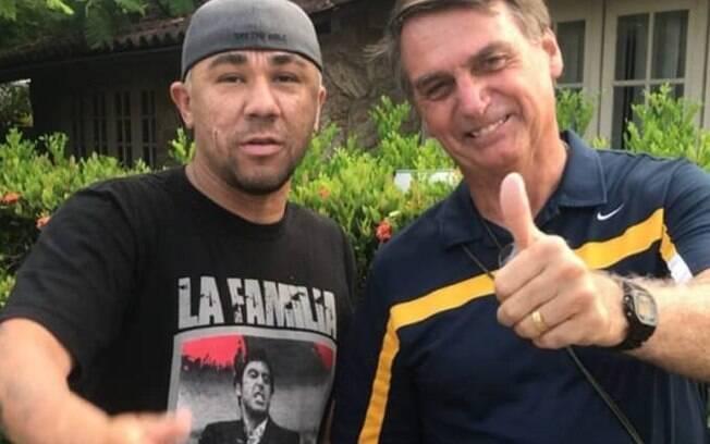 Lutador postou foto ao lado de Jair Bolsonaro nas redes sociais