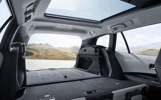 Tal como a Toyota Fielder dos anos 2000, a nova também promete ser lembrada pelo espaço interno