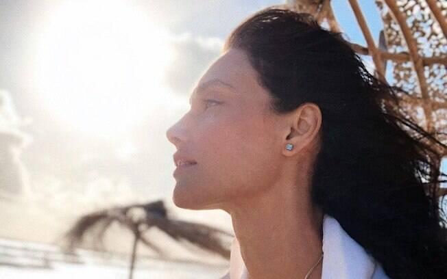 Débora nascimento se pronunciou pela primeira vez sobre separação e recebeu apoio de famosos