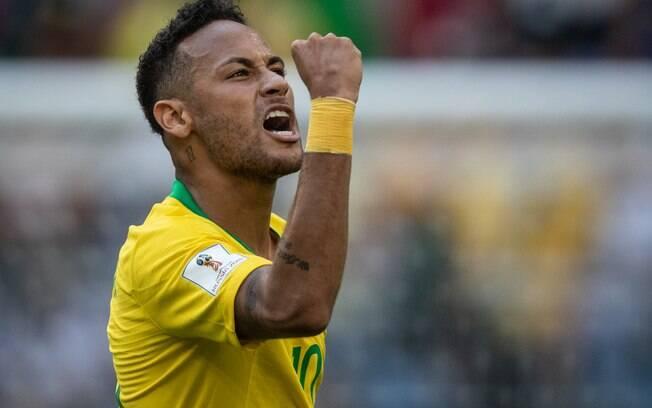 Neymar marcou o primeiro gol do Brasil diante do México, o sexto dele em Copas