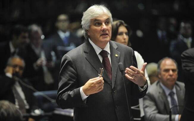 O senador Delcídio do Amaral, que pediu para se desfiliar do PT após STF homologar sua delação
