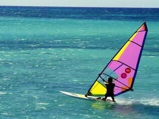 Aruba atrai adeptos dos esportes náuticos