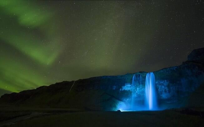 As auroras polares são possíveis consequências dos buracos coronais