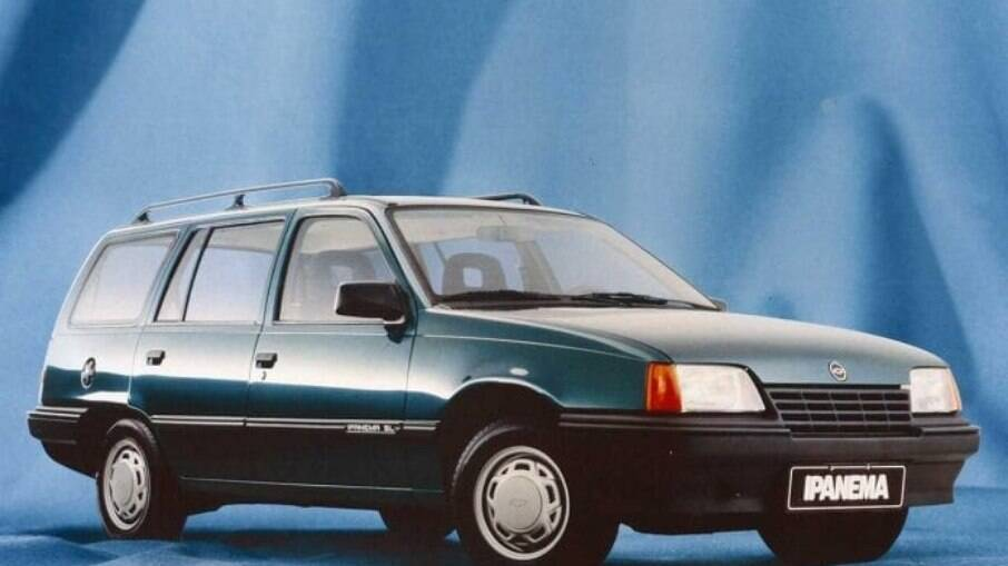 Chevrolet Ipanema 1990, época em que as peruas de duas portas eram requisitadas pela preferência dos brasileiros