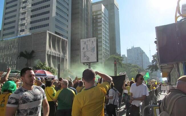 Apoiadores de Bolsonaro foram às ruas no domingo (26)