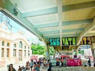Ativo.  Palco de manifestações culturais, espaço embaixo de viaduto está em obras desde dezembro