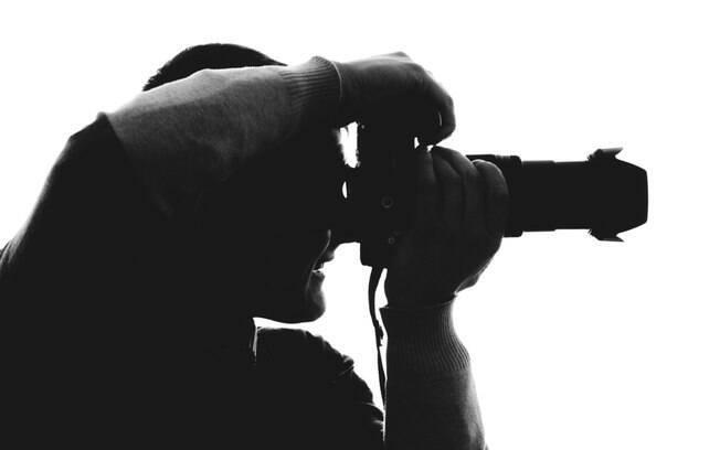 Fotógrafa explica que tudo o que acontece em um ensaio fotográfico, principalmente sem roupas, deve ter consentimento