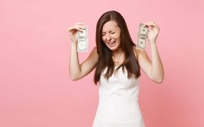 A noiva expulsou a madrinha de despedida de solteira e, por isso, recebeu uma nota fiscal cobrando pelos 'serviços' dela