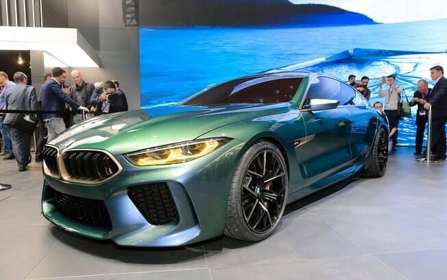 Para a montadora, o BMW M8 Gran Coupe vem para marcar sua nova definição de luxo e esportividade
