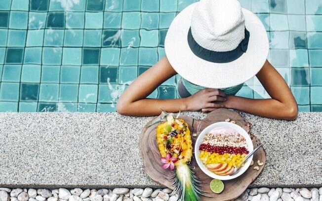 Dieta no vero: dicas saudveis para emagrecer no clima quente