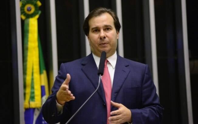 Rodrigo Maia classificou o pedido de demissão de Pedro Parente na manhã de hoje como