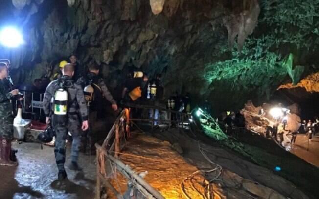 Expectativa da operação desta segunda-feira é que mais três jovens sejam resgatados da caverna na Tailândia