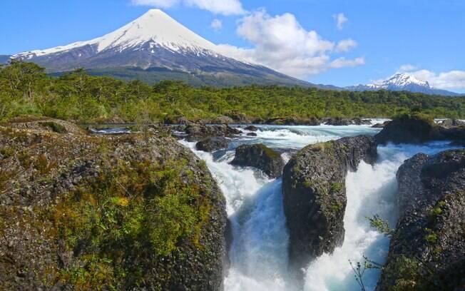 Osorno, no Chile, é outro item na lista de vulcões e fica na região de Los Lagos, no Chile, à altura de cerca de 2 mil metros