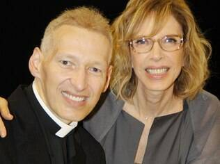 Padre Marcelo Rossi com Marília Gabriela