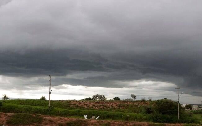 Quarta-feira mantm tempo chuvoso e com risco de temporais
