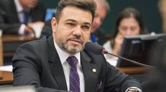Feliciano reclama de decreto de Witzel contra homofobia