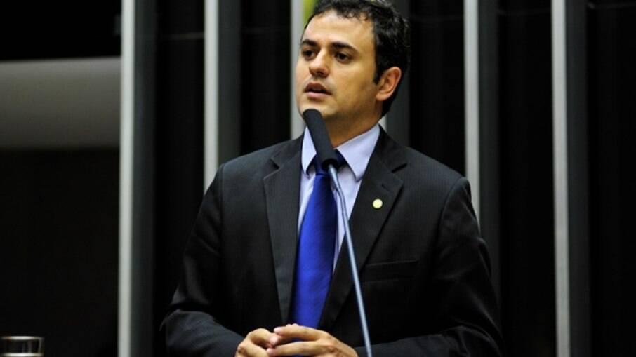PSOL pega fogo nos bastidores