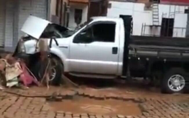Chuva deixou rastro de destruição em cidades do Espírito Santo