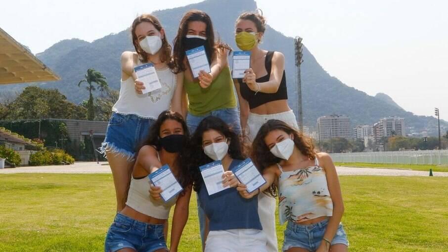 Capital já ultrapassa 65% da população vacina e dispensa uso de máscaras em ambientes abertos sem aglomeração