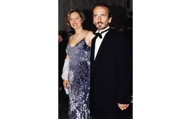 A atriz Greta Scacchi casou-se com Carlo Mantegazza, primo de primeiro grau. Os dois tem um filho. Foto: Reprodução/ Telegraph