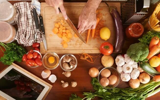 Mesmo sem a família reunida, é possível ter um bom almoço de Páscoa; Confira receitas.