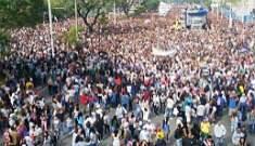 Marcha para Jesus reúne milhares de pessoas em SP