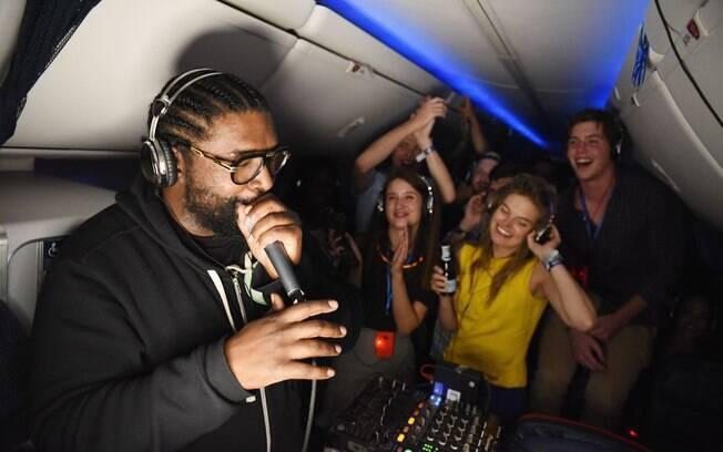 A balada teve a presença de um DJ