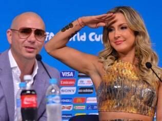Pitbull e Claudia Leitte são intérpretes da música oficial da Copa, que estará na abertura