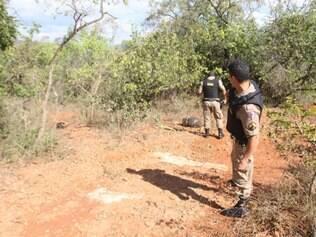 Vítimas foram encontradas em um matagal às margens da lagoa Várzea das Flores