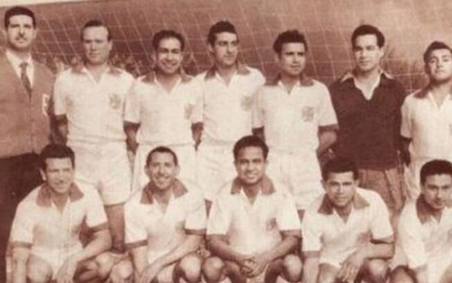 Time da primeira divisão chilena perdeu oito jogadores e o treinador