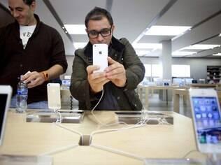 iPhone 5 recebe aprovação de associação, apesar de falhas em mapas