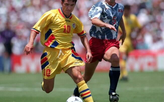 O meia Hagi, destaque da seleção romena na  Copa de 1994, poderia ser reforço do São Paulo