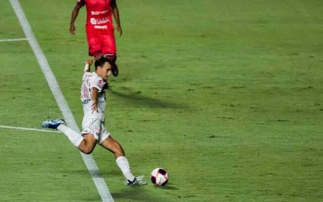 São Paulo fica só no empate contra o Botafogo-SP, na estreia de Crespo