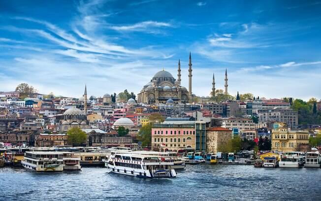 Istambul é a capital da Turquia e o destino mais popular do país, são diversas as atrações turísticas espalhadas por lá