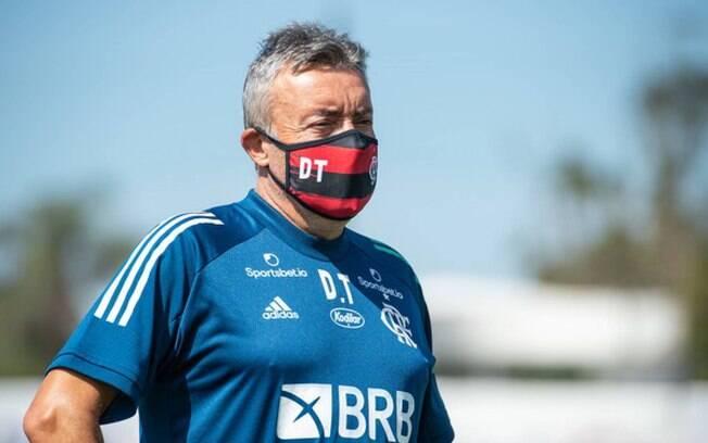 Após surto de Covid-19, Justiça proíbe Flamengo de treinar e disputar jogos por 15 dias