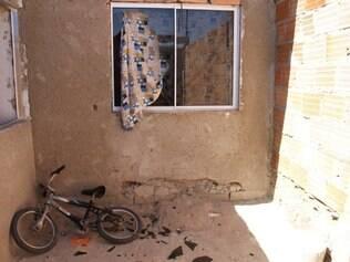 Assassino quebrou o vidro de uma janela para atrair a atenção da vítima