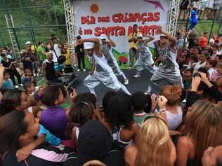 No Santa Marta, a festa de dia das crianças foi financiada por vários microdoadores, em vez do tráfico