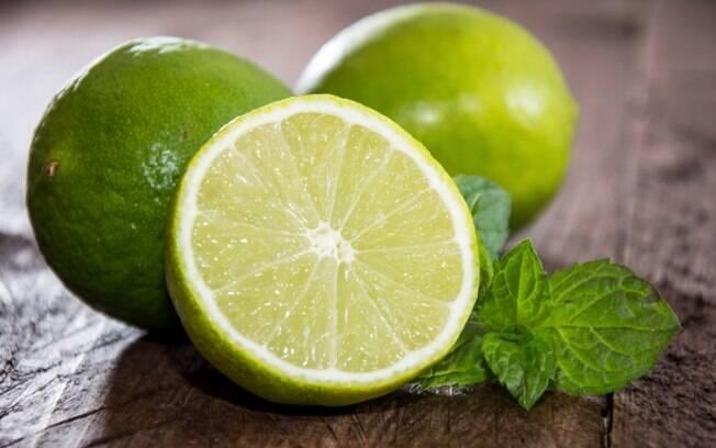 Limão e outras frutas ricas em vitamina C. Foto: Thinkstock/Getty Images