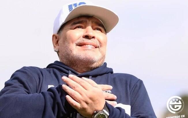 Maradona faleceu após ter parada cardíaca