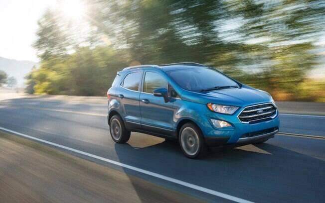 O novo Ford EcoSport troca o design dianteiro, com uma grade bem menor. Nos EUA, terá motor 1.0 EcoBoost, enquanto aqui terá novo 1.5.