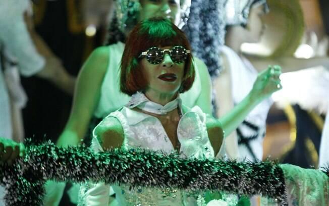 Em 2012, a Águia desfilou a Tropicália e teve Rita Lee em um dos carros