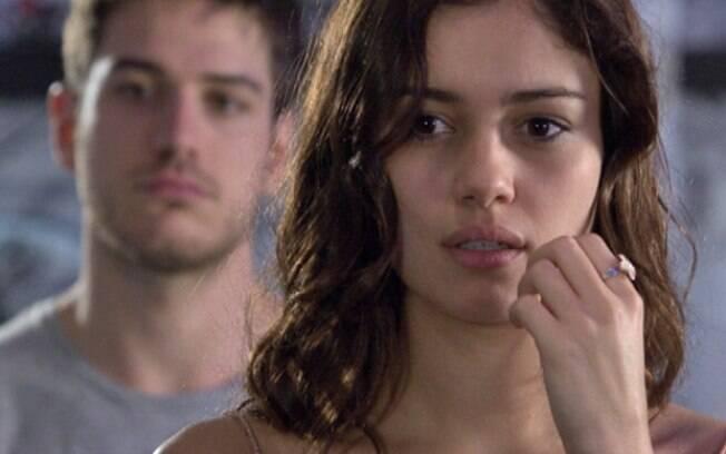 Amália descobre que Rafael não é tão bonzinho quanto parece