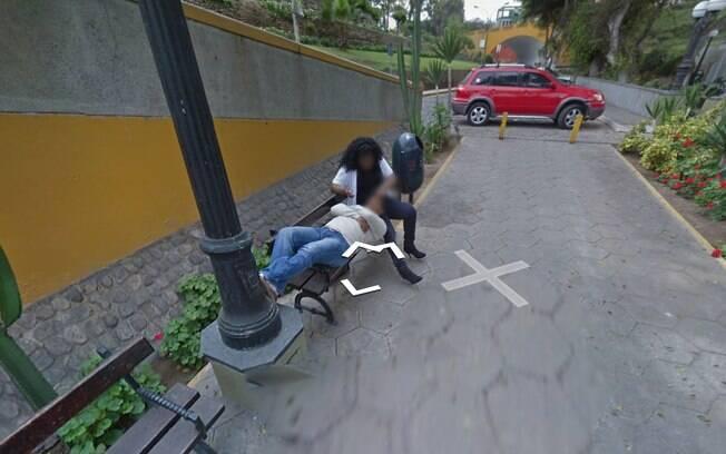Mulher traindo o marido foi clicada pelas câmeras do Google Street View, recurso de vistas panorâmicas