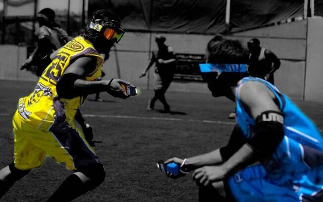 Ultimate Tazer Ball, o esporte que usa arma de choque contra o rival